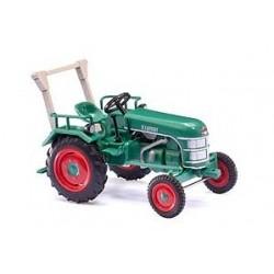 BUSCH 40065. Tractor H0 Kramer KL 11