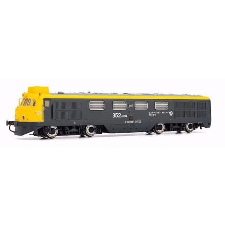 """ELECTROTREN 2322. Locomotora Diesel 352.004 (TAXI) """"Virgen del Camino"""""""