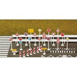 BUSCH 8121. N Señales de tráfico