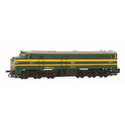 ARNOLD 2410. N Locomotora Diesel RENFE 316, verde y plata.