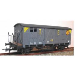 """KTRAIN 0703-N. H0 Vagón cerrado con balconcillo gris """"TE""""."""