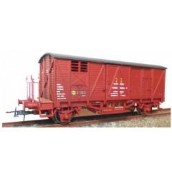 """KTRAIN 0703-P. H0 Vagón cerrado con balconcillo """"Material Remolcado PONFERRADA""""."""