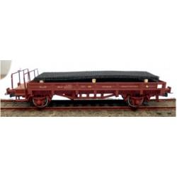 KTRAIN 0716-H. H0 Vagón borde bajo, rojo óxido, con carga de mallazo.